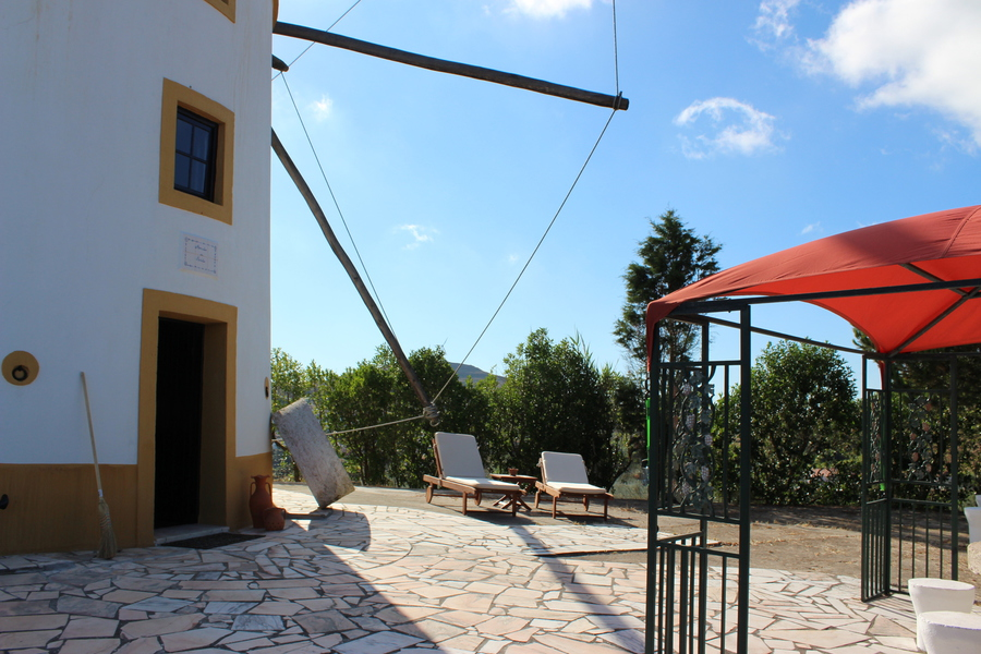 ferienwindm hle als ferienhaus in portugal im herzen der estremadura nahe dem atlantik mit. Black Bedroom Furniture Sets. Home Design Ideas